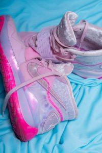 reinforced heel running shoes